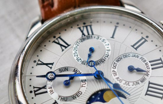 close-up-photography-of-wristwatch-1034063